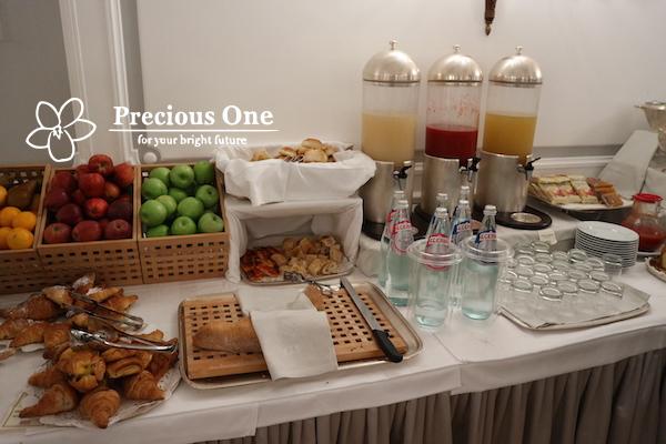 ベットーヤ・ホテル・マッシーモ・ダゼリオの朝食ビュッフェ。とても豪華。