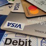 収入がなくても作れる審査不要のデビットカードのメリットと使い方
