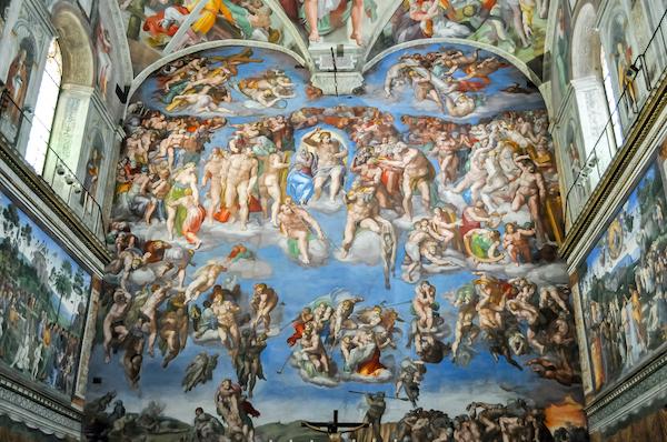 ヴァチカン美術館内システィーナ礼拝堂のミケランジェロ作の巨大なフレスコ画 最後の審判