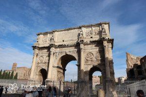 ローマのコンスタンティヌス帝の凱旋門